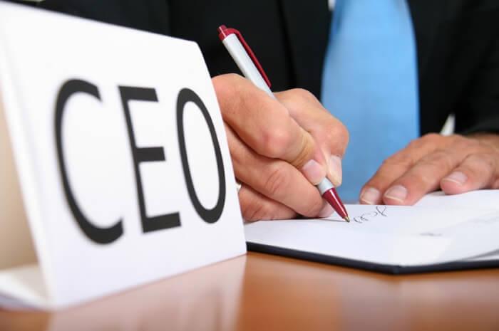 CEO là gì? Trách nhiệm và vai trò của một CEO chuyên nghiệp