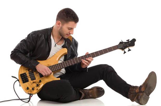 Bassist là gì? Bass đóng vai trò như thế nào trong âm nhạc?