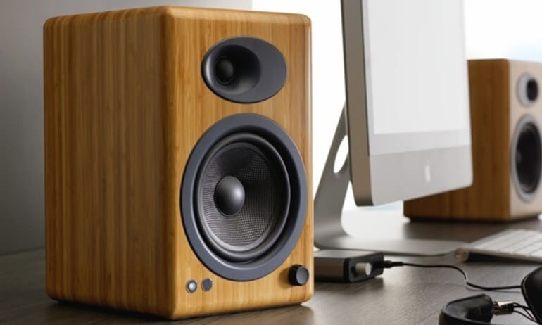 Stereo là gì? Đặc điểm của âm thanh Stereo là gì?